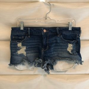 Low waisted jeans shorts
